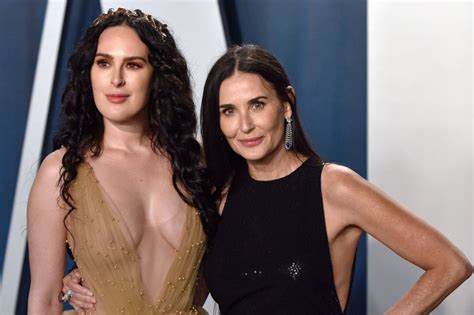 Look: Demi Moore, Bruce Willis have 'family paint night