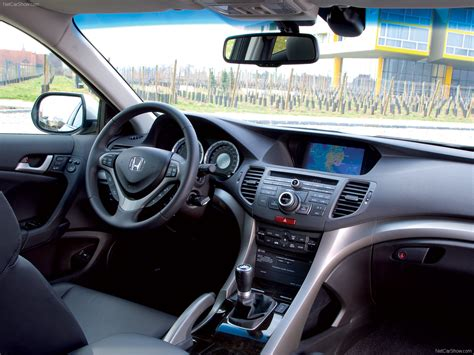 Honda Accord Tourer (2009) - picture 55 of 71